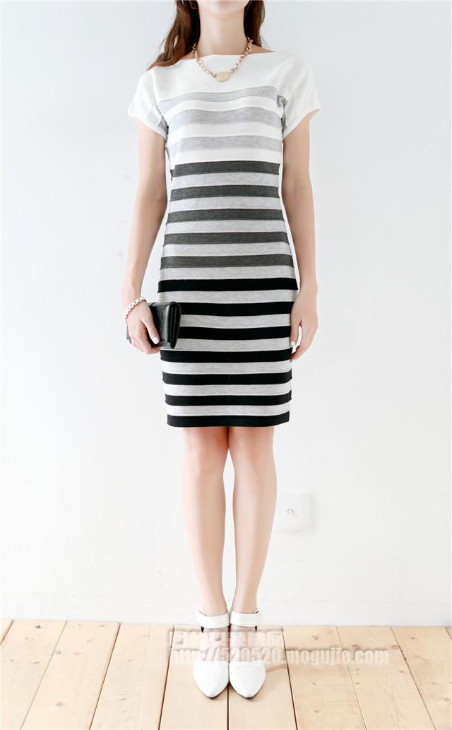 气质条纹针织连衣裙