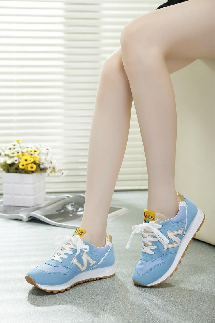 小清新颜色运动鞋