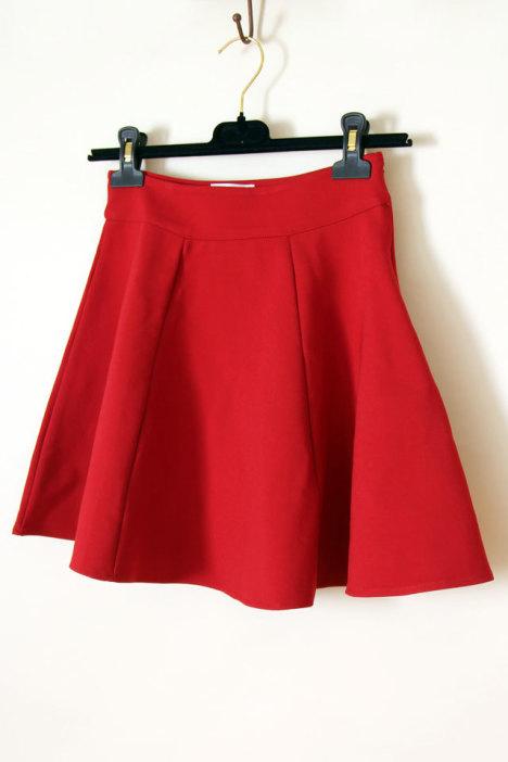橘红色a字裙搭配图