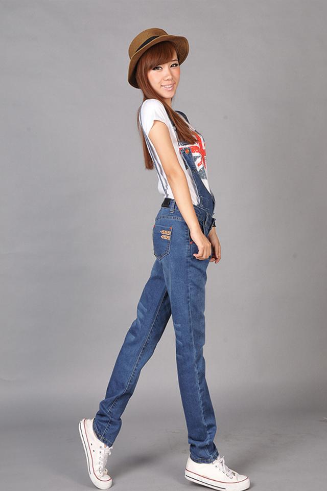 可爱背带牛仔裤