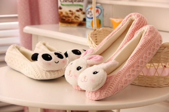 超萌超可爱的一款家居鞋~小白兔和小熊猫都超级可爱