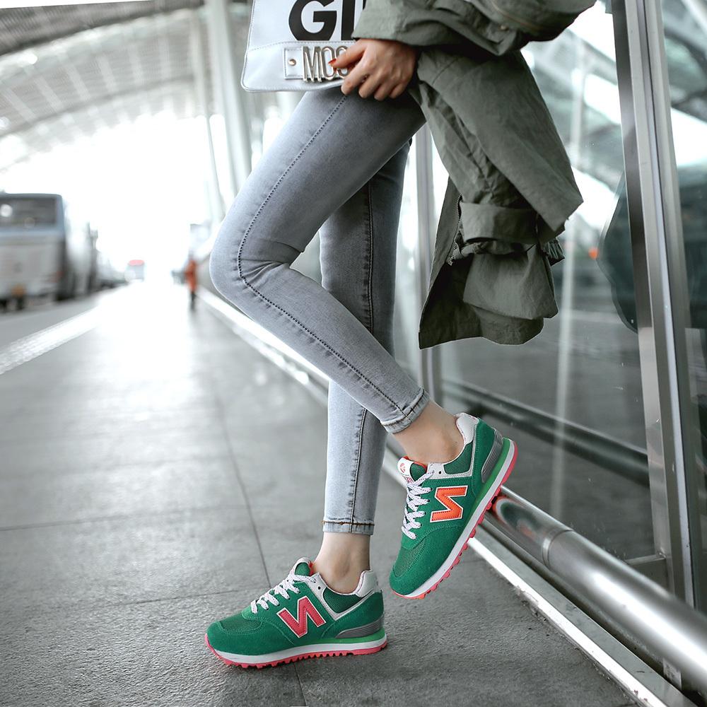 运动鞋无论搭配什么衣服什么