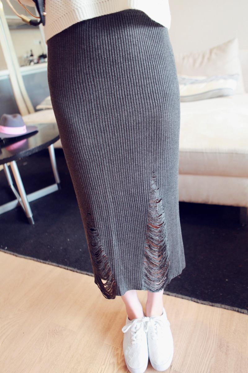 破洞针织半身长裙