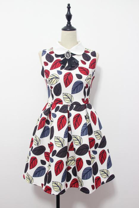 用树叶做裙子贴画