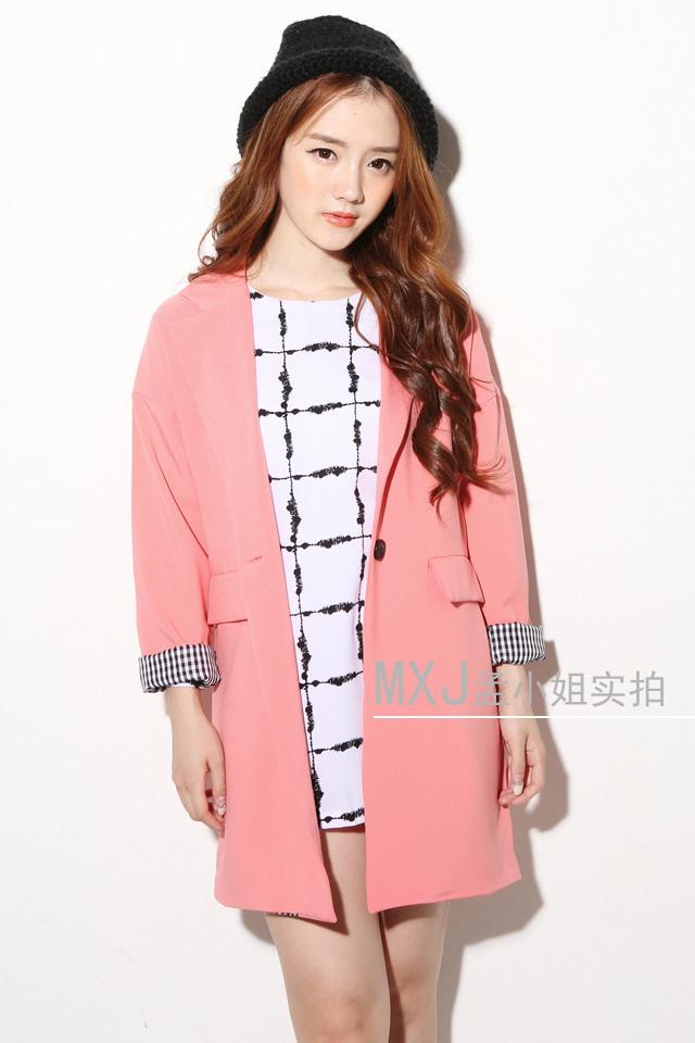 粉色休闲西装外套-来自蘑菇街优店