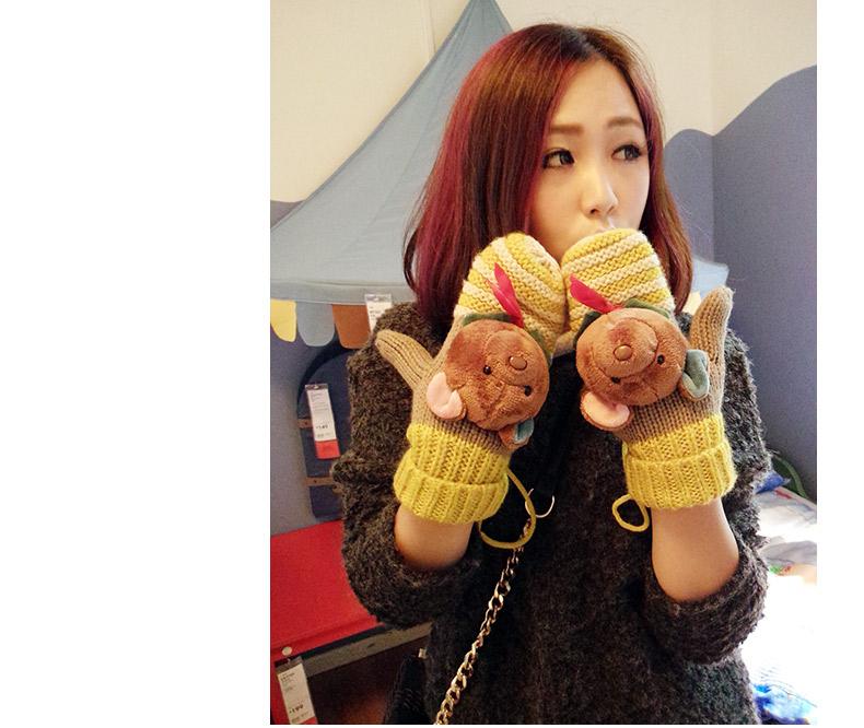新品手套上架,手套设计的很可爱哦,可爱的娃娃大头熊,精致的手工编织