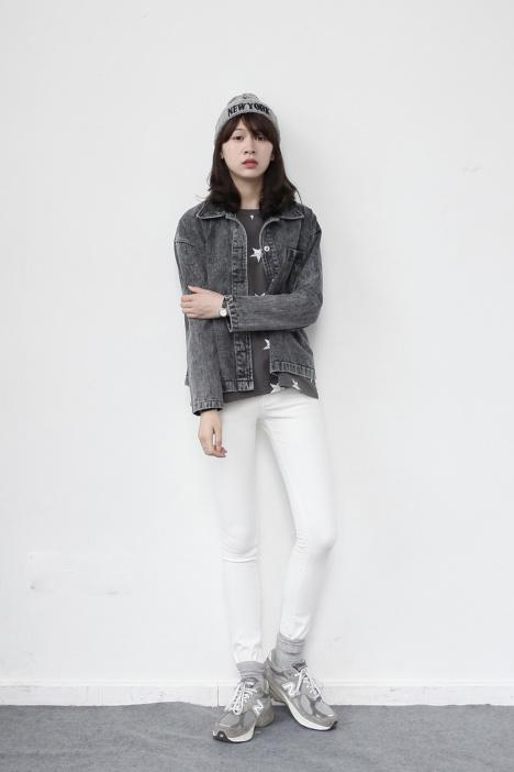 韩版灰色大衣搭配