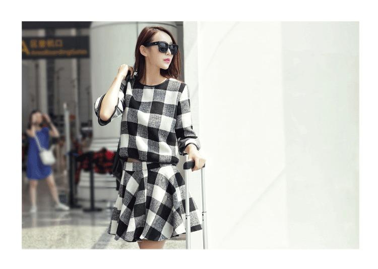 格子控们,最新的韩国格子甜美风连衣裙出货啦~~~可爱的喇叭袖,很
