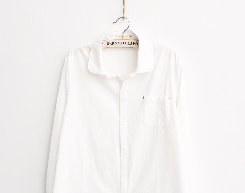 简单款百搭文艺纯色白衬衫