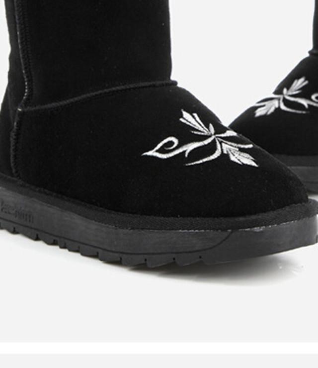 克罗星十字架绣花中筒雪地靴
