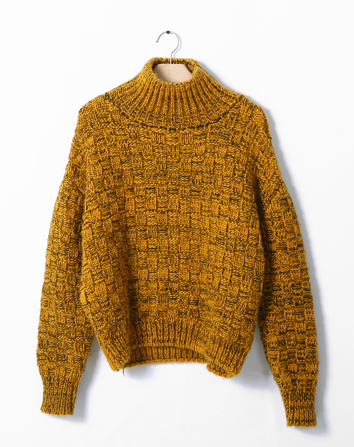 温暖高领编织纹混色落肩袖毛衣