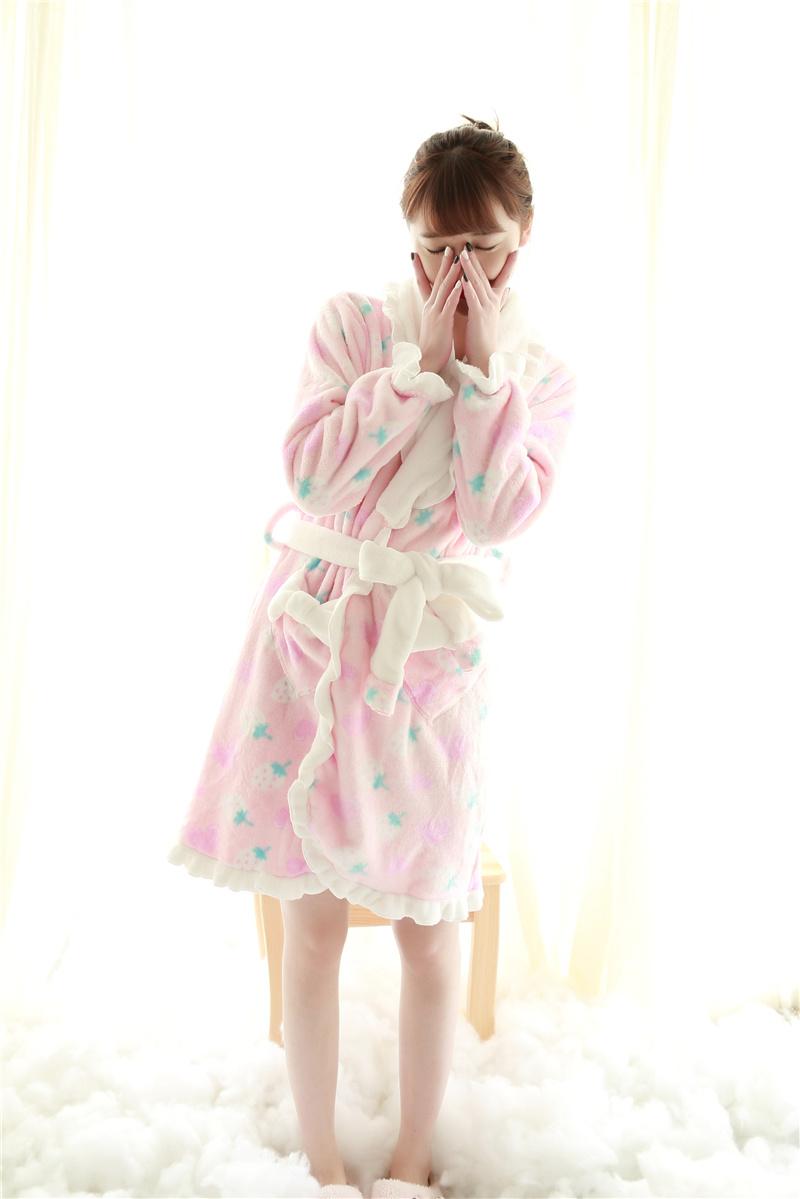 翻领可爱花边长袖系带睡袍