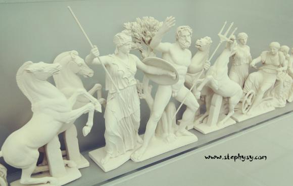 智慧女神雅典娜曾经用一棵橄榄树从海神波塞