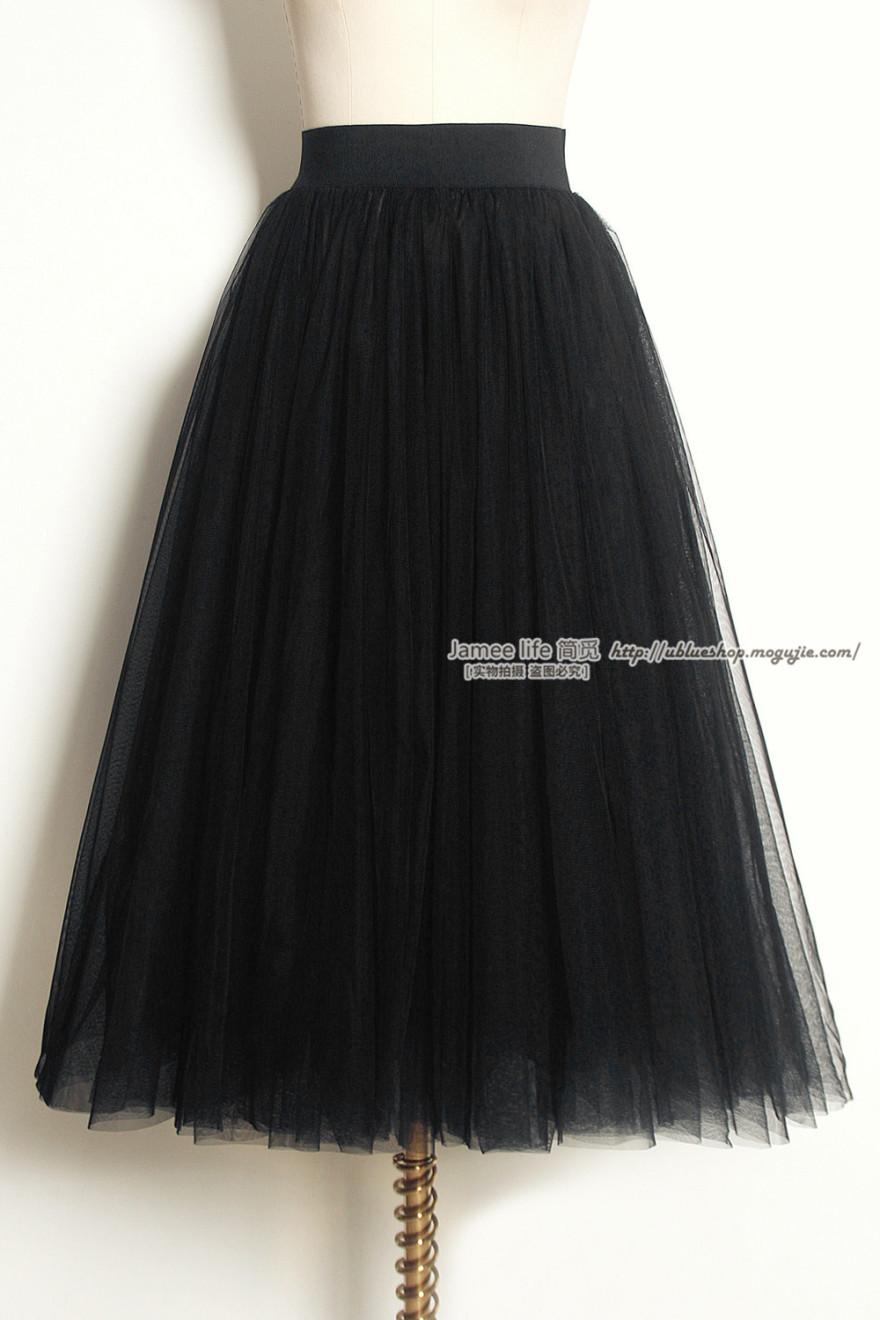 冬天黑色纱裙搭配