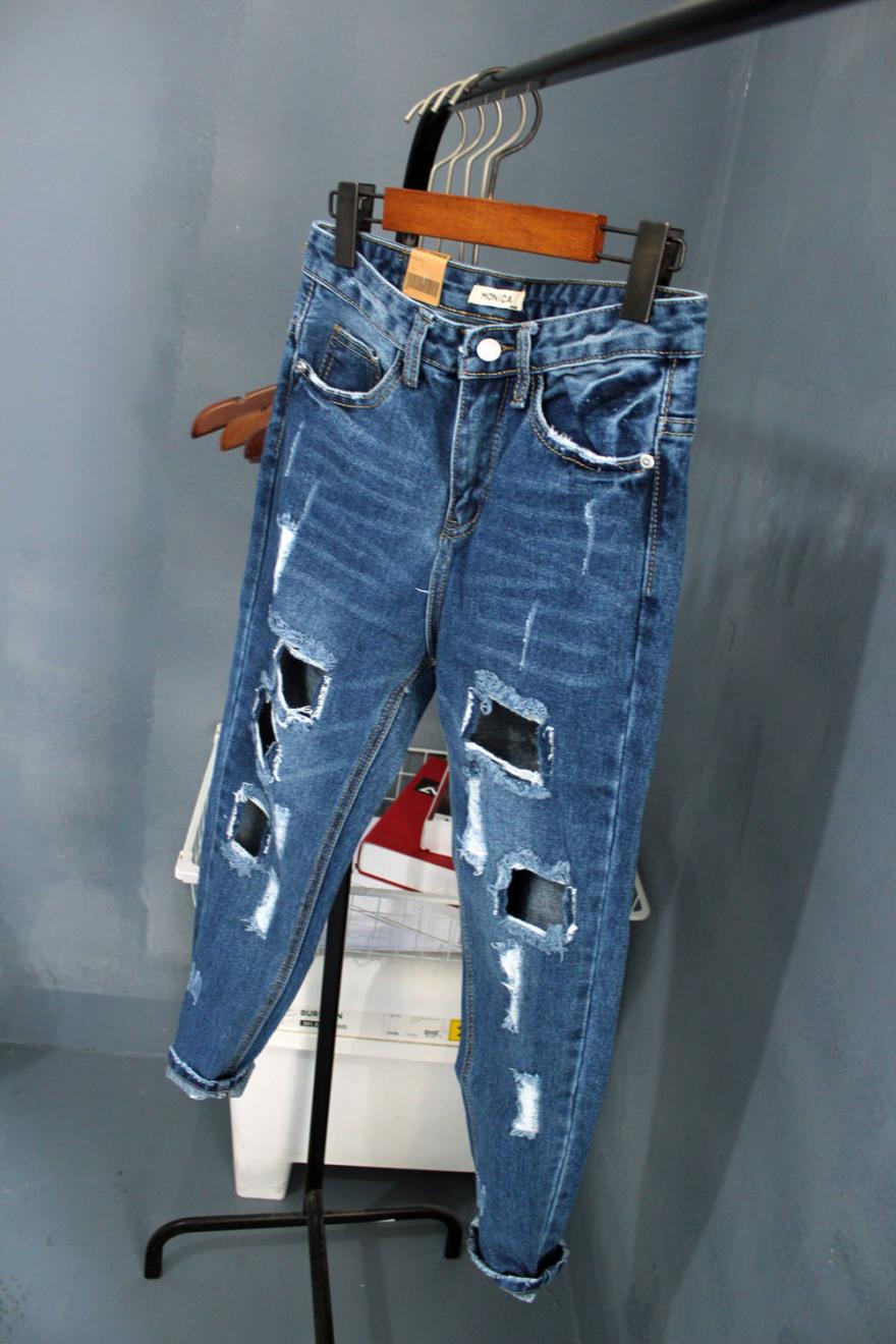 中腰  裤型:垮裤  面料:牛仔布  厚薄:普通  图案:纯色 细节:破洞