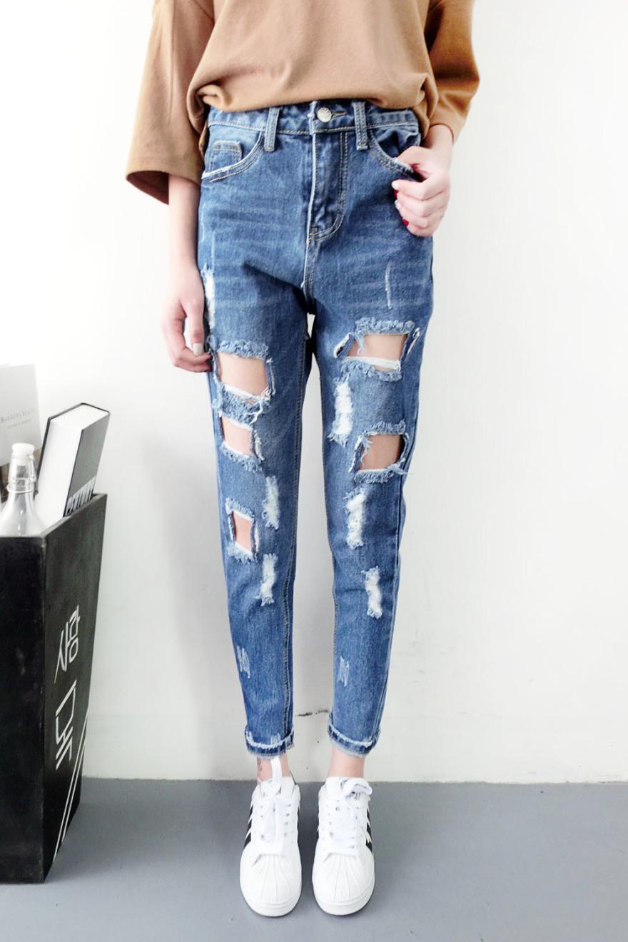 深色破洞牛仔裤