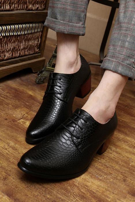 新款蛇皮纹男士高跟皮鞋