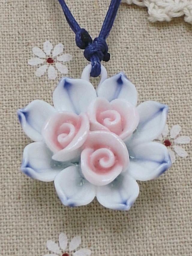 手工编织陶瓷花朵项链